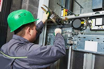 elevator maintenance contractor